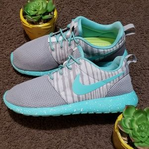 Nike Roshe One Taylor T8